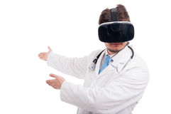 Męski student medycyny wskazuje coś copyspace Obraz Stock
