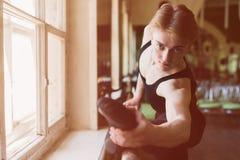 Męskie baletniczego tancerza rozciągliwość Zdjęcia Stock