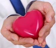 Męskie medycyny lekarki ręki Fotografia Royalty Free