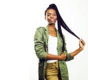 Młoda ładna afroamerykańska dziewczyna pozuje rozochocony emocjonalnego dalej fotografia royalty free