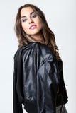 Młoda ładna kobieta Pracowniany moda portret fotografia royalty free