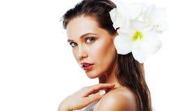 Młoda ładna kobieta z Amarilis kwiatu zakończeniem up na wh Zdjęcie Royalty Free
