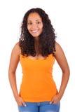 Młoda amerykanin afrykańskiego pochodzenia kobieta z długie włosy Zdjęcia Royalty Free