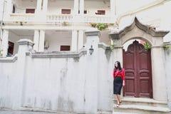 Młoda azjatykcia chińska kobieta Na wakacje w Gulangyu wyspie, Xiamen, Chiny fotografia royalty free