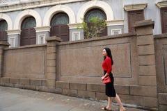 Młoda azjatykcia chińska kobieta Na wakacje w Gulangyu wyspie, Xiamen, Chiny zdjęcie royalty free