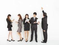Młoda biznes drużyna cieszy się technologia styl życia Zdjęcia Royalty Free