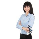 Młoda biznesowa kobieta z banka kartami Zdjęcia Royalty Free