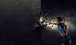 Młoda bokser kobieta Mieszani środki fotografia royalty free