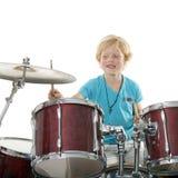 Młoda chłopiec bawić się bębeny Obrazy Royalty Free