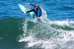 Młoda chłopiec Surfuje Santa Cruz, Kalifornia Obrazy Stock