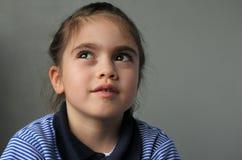 Młoda dziewczyna myśleć o jej przyszłości zdjęcia royalty free