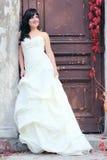 Młoda dziewczyna w ślubnej sukni Fotografia Royalty Free