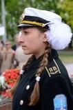 Młoda dziewczyna w żeglarza zwycięstwa jednolitym crlrbrating dniu, Odessa, Ukraina Fotografia Stock