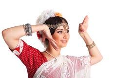 Młoda dziewczyna w Indiańskim krajowym kostiumu Fotografia Stock