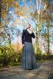 Młoda dziewczyna w parku Fotografia Stock