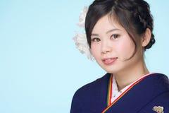 Młoda Japońska dziewczyna w kimonie Obrazy Royalty Free