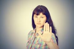 Młoda Kaukaska kobieta seansu przerwy ręka Fotografia Royalty Free