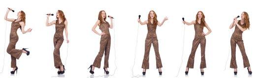 Młoda kobieta śpiew w karaoke na bielu Obraz Royalty Free