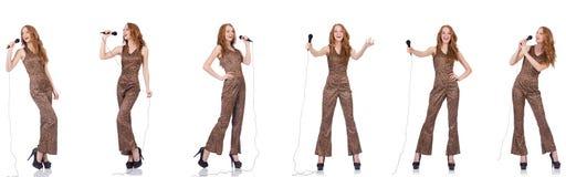 Młoda kobieta śpiew w karaoke odizolowywającym na bielu Zdjęcie Stock