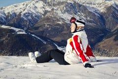 Młoda kobieta cieszy się zima sporty Zdjęcia Royalty Free