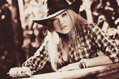 Młoda kobieta kowboj Obrazy Royalty Free
