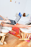 Młoda kobieta pracuje od domu obrazy royalty free