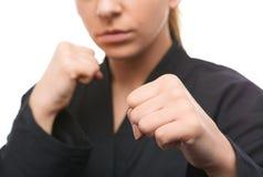 Młoda kobieta przygotowywa walczyć Zdjęcia Royalty Free