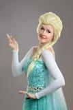 Młoda Kobieta Ubierająca w kostiumu Obraz Royalty Free