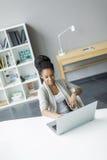 Młoda kobieta w biurze Obraz Royalty Free