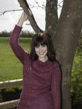 Młoda kobieta w fashoniable wierzchołku Fotografia Stock