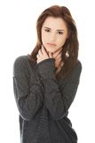 Młoda kobieta z okropnym gardło bólem Zdjęcia Royalty Free
