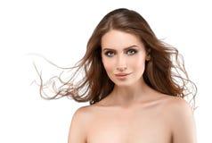 Młoda kobieta z piękno skórą i piękno fryzurą odizolowywającymi na wh zdjęcia stock
