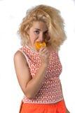 Młoda kobieta z pomarańcze Zdjęcia Stock