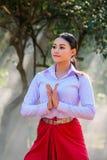 Młoda kobieta z próba stylem Tajlandzkim obrazy royalty free