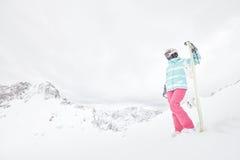 Młoda kobieta z snowboard obrazy stock