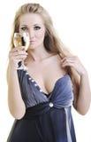 Młoda kobieta z winogradu szkłem zdjęcie royalty free