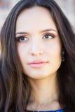 Młoda piękna brunetki kobieta z mody makeup, headshot Zdjęcie Royalty Free