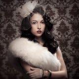 Młoda piękna retro dama Fotografia Royalty Free