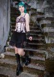 Młoda piękna szpilka w górę splendor dziewczyny z zielonego koloru włosy, wysokim Obraz Stock