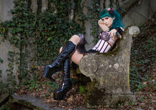 Młoda piękna szpilka w górę splendor dziewczyny z zielonego koloru włosy, wysokim Obrazy Royalty Free