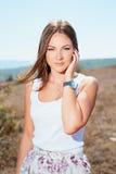 Młoda piękna uśmiechnięta kobieta fotografia stock