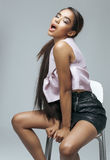 Młoda piękno amerykanina afrykańskiego pochodzenia kobieta z modą Obraz Stock
