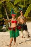 Młoda Polinezyjska Pacyficznej wyspy tancerzy Tahitańska para Zdjęcie Stock