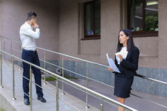 Młoda powabna azjatykcia biznesowa kobieta, żeński portreta spojrzenie przy krzywka Fotografia Royalty Free