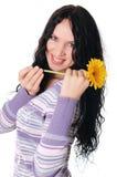 Młoda powabna brunetka w pulowerze obrazy stock