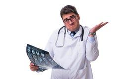 Młoda samiec lekarka trzyma radiograph odizolowywający na białym backgro Obrazy Royalty Free