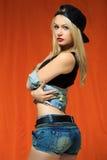 Młoda seksowna łyżwiarki dziewczyna moda portret potomstwa Zdjęcie Royalty Free