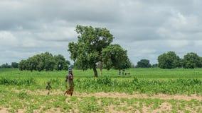 Młoda Senegalska kobieta z jej dziećmi Obrazy Royalty Free