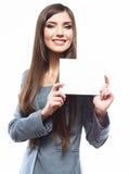 Młoda uśmiechnięta biznesowej kobiety chwyta deska, biały tło port Fotografia Stock