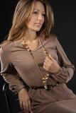 Młoda zmysłowa & piękno kobieta w modnej sukni Zdjęcie Royalty Free
